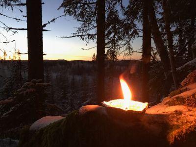 Hyvinvointiloma Keski-Suomessa ruska-aikaan, kynttilä
